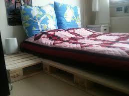 łóżko z palety